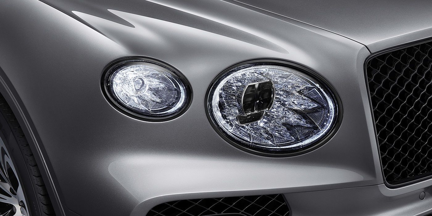 new-bentley-bentayga-v8-crystal-cut-effect-front-headlamp-with-blackline-specification-2020